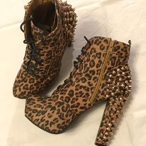 By Charlotte Russe High heels boots